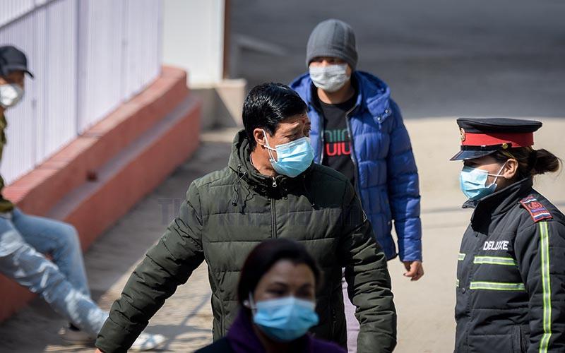 """कोरोना भाइरसको संक्रमण फैलिन नदिन विमानस्थलमा चेकजा""""चमा कडाई"""
